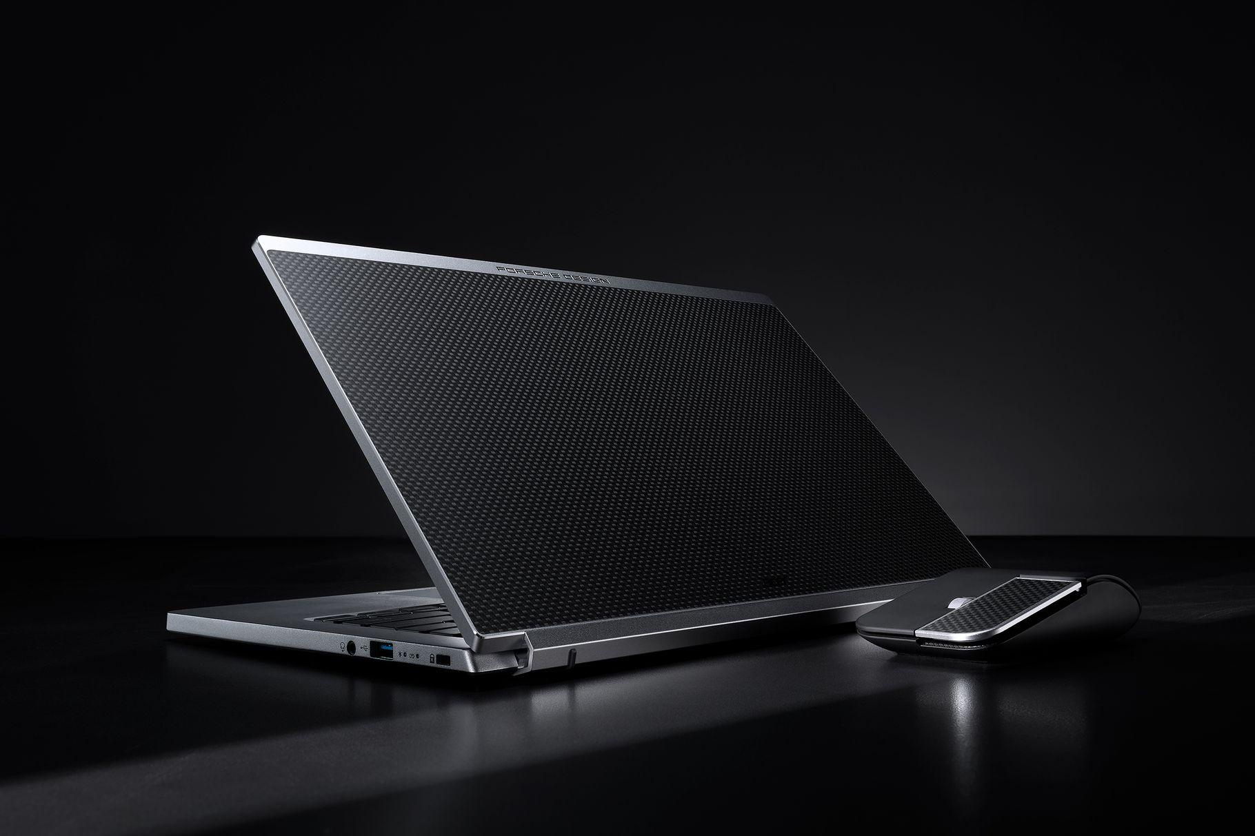 Acer партнират с Porsche Design за премиум лаптопа Acer Book RS